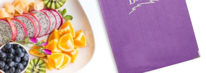Protège menu Genève effet bois simili cuir et petit déjeuner